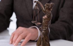 Юридические услуги Ливинбук и партнеры изображение №1